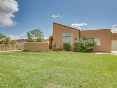 Photo for Amazing townhouse near Arches w/shared seasonal pool/hot tub!