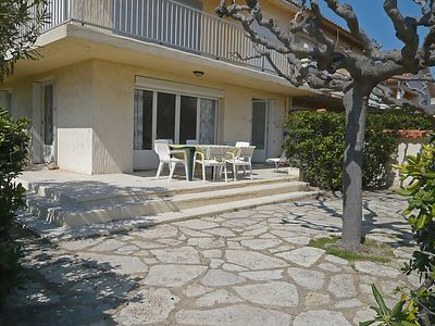 Photo for Apartment Les Hirondelles in Narbonne-Plage - 6 persons, 3 bedrooms