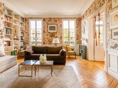 Photo for Charming 2 bed 2 bath apartment by Le Marais (Veeve)