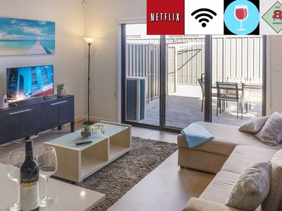 Photo for Top location near CBD and Entertainment Centre FREE WiFi, Netflix, Wine, Parking