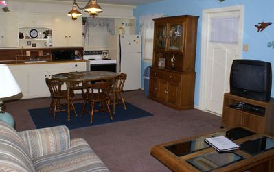 Rockport Cottage Rental   Enjoy Great Local Restaurants Or Prepare Meals In Your  Home Away From