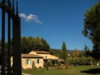 Photo for 3BR House Vacation Rental in Cucuron, Provence-Alpes-Côte-D'Azur