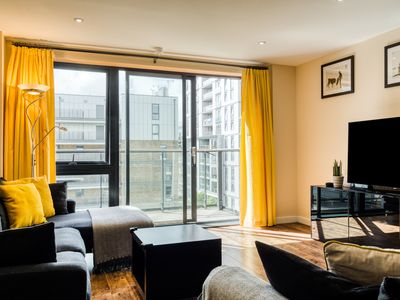 Photo for Bright 3Bed Family Apt w/ Balcony & Great Views