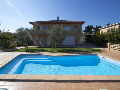 Photo for Amazing villa in Sils for 11 guests, a short drive to Costa Brava!