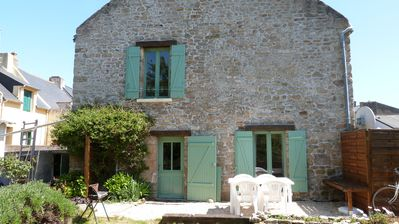 Photo for Renovated stone house with garden on the Gulf of Morbihan