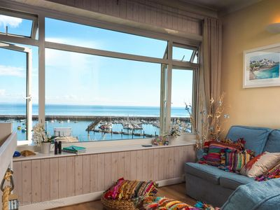 Panoramic sea views from the lounge