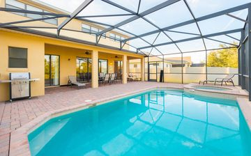Search 595 holiday rentals
