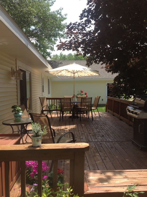 Silver Lake Floradale Near Pool And Tennis Ct Amp Private