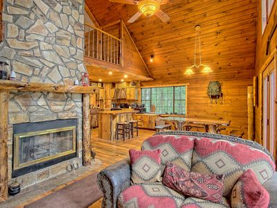 Photo for 3BR Cabin Vacation Rental in Ellijay, Georgia