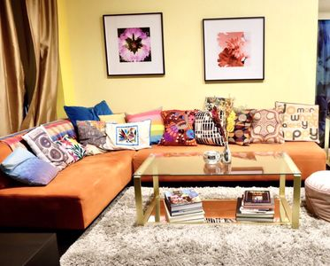 Bright and colorful living room.