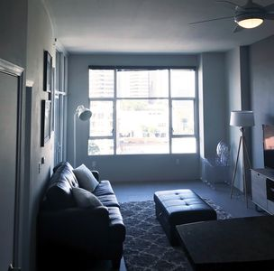 Photo for 1 Bedroom Sleeps 1-4. Beautiful View Facing 5th St In Gaslamp.