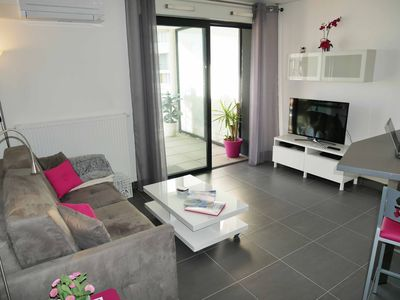 Photo for Montpellier Port Marianne, apartment 1 bedroom, a terrace, elevator and parking