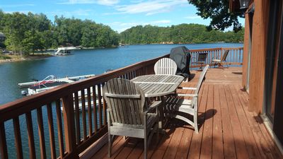 Waterfront Lake Keowee chalet with Gorgeous 180° Lake Views 15 min from Clemson!