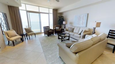 Newly Renovated 3 Bedroom Condo! 1906D is as Good as it Gets For Your Next Vacation