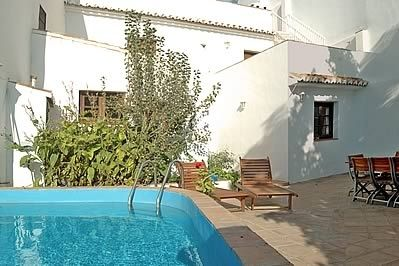 Photo for 4 bedroom Villa, sleeps 8 with Pool