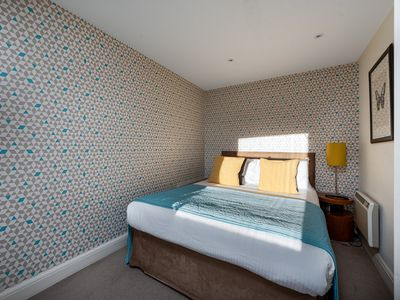 Photo for Luxury One Bedroom Flat in Sloane Square, Chelsea - DP8