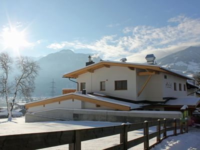 Photo for Apartment in a quiet location between the ski areas Fügen and Kaltenbach.
