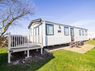 Photo for 6 berth dog friendly caravan for hire at Clacton-on-sea, Essex. ref 28077C