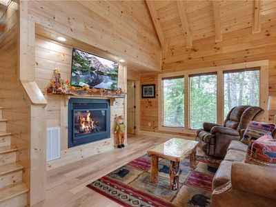 Photo for Simply Unforgettable, 1 Bedroom, Pool Table, Arcade, Hot Tub, Sleeps 6
