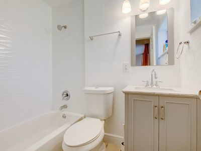 Photo for Charming 1 bedroom/bath mins from Beach/Airport/Las Olas