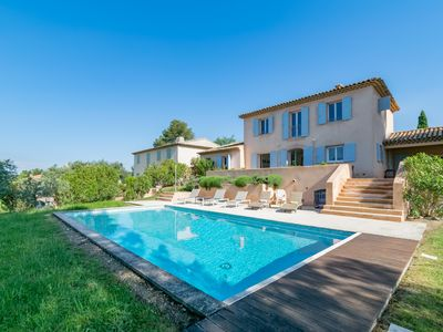 Photo for Villa Alpea - For a large family stay in Aix en Provence