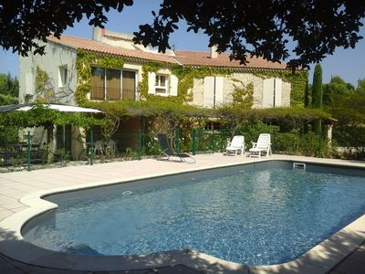 Photo for Flat 6 persons with swimming-pool at l'isle sur la sorgue (luberon)