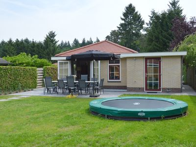 Photo for Contemporary holiday home with sauna and hottub in the garden, Veluwe region