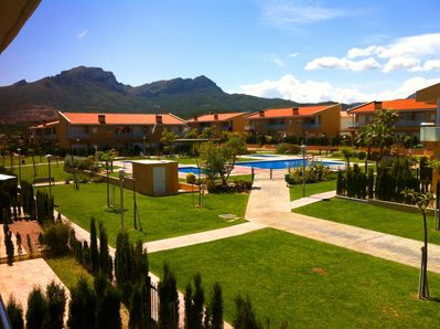 Residential Area: 3 pools + 2 jacuzzi