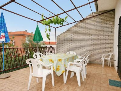 Photo for Two bedroom apartment with terrace Punat (Krk)