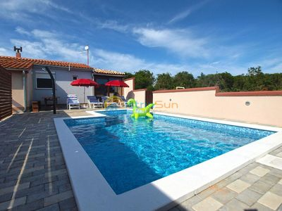 Photo for Apartment 1680/17398 (Istria - Pula), Family holiday, 7000m from the beach