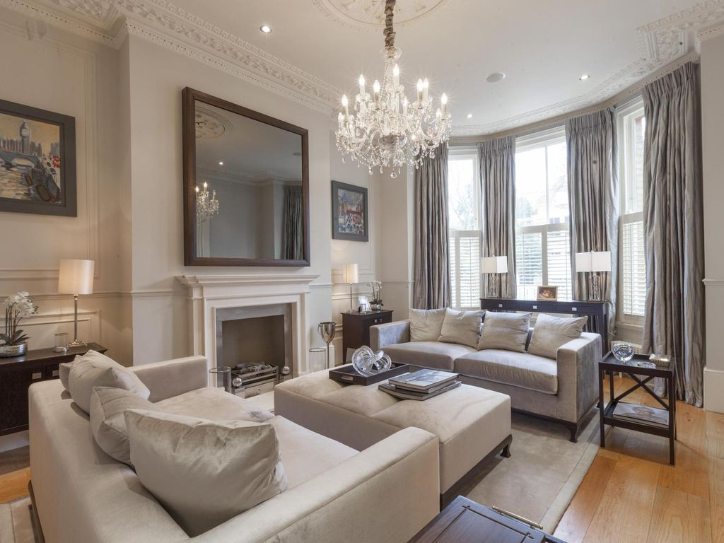 Macaulay Road - luxury 7 bedrooms serviced apartment - Travel Keys
