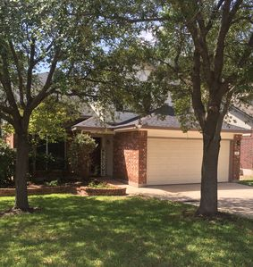 Photo for A 2-Story recently updated 3 BR 2.5 Bath home in Cedar Park. Beautiful patio!