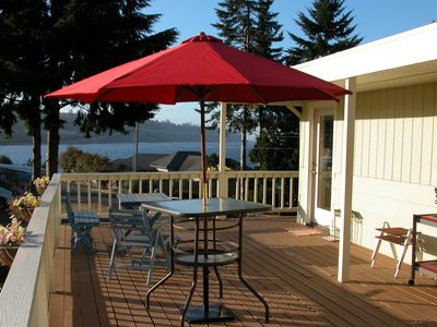 Huge wrap around upper deck with expansive water views. Great place to barbecue!