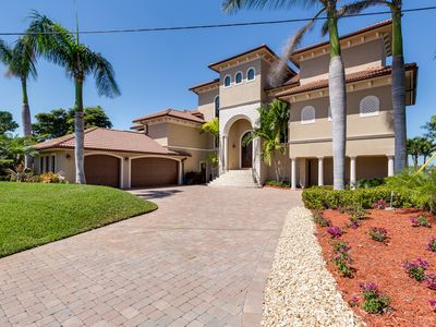 THE ART OF LIVING IN THE FLORIDA'S PARADISE COAST OF NAPLES, MARCO ISLAND