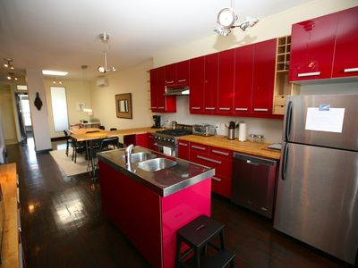 Photo for Montreal - Chic 100 m2, 2 closed bedrooms, 50 meters from Joliette metro station