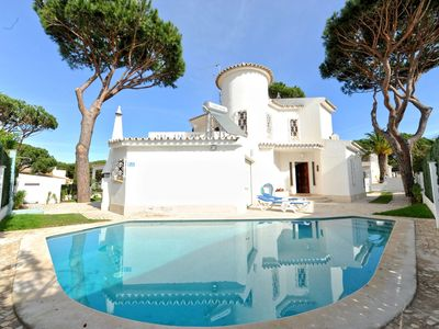 Photo for Marcelo Villa located in the quiet residential area of \u200b\u200bVilamoura.