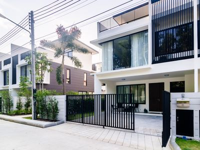 Photo for Elata townhouse 3 bdr 3 bth, 800m to Bangtao beach