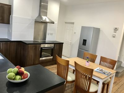 Photo for 2 Bed house Close to city & University