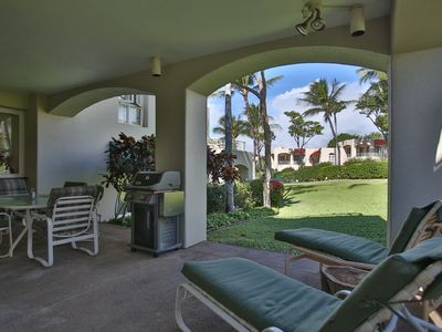 Photo for Lanai Living in a Palms Paradise - Central AC Throughout