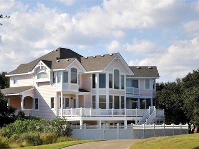 Photo for Perfect Peach: 6 BR / 5 BA house in Corolla, Sleeps 19