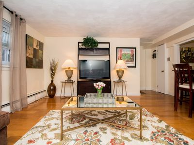 Photo for Great 1 bed close to Longwd Med,JP, Fenway, Parking