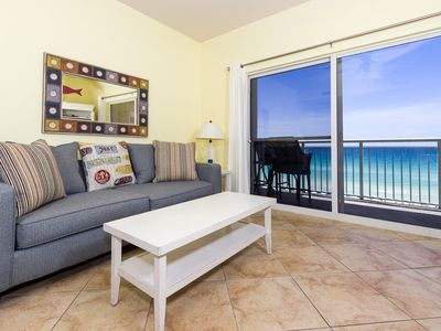 Photo for PI 606: Beautiful top floor condo, WiFi, pool, spa, Free Beach Service
