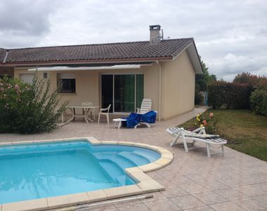 Photo for RENTAL OF A HOUSE WITH POOL IN MEDOC OCEAN