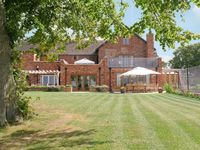 Fantastic house for a large family gathering in an ideal location.