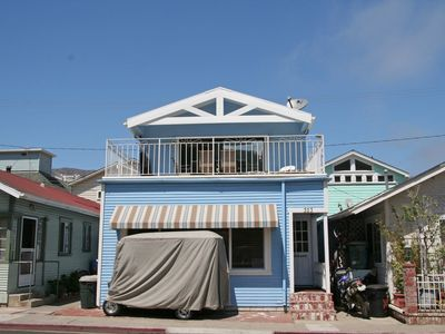 Photo for Two Story Family Home w/ Large Deck, WIFI, Close to Beach, Mtn Views