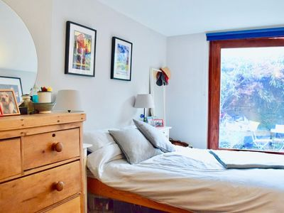 Photo for Homely 1 Bedroom Flat in Battersea With Garden