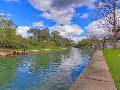 Comal Riverfront with Pool & Hot tub! Walk to downtown Tube rental next door!