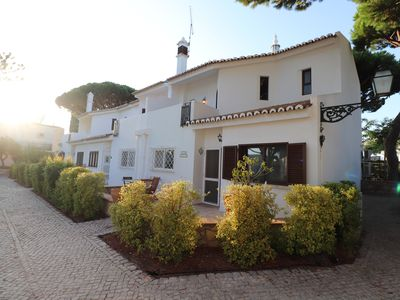 "Photo for 3 bedroom townhouse just 3min walk to the Vale do Lobo beach & ""Praça"""