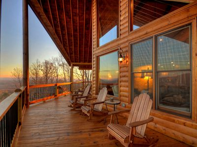 Photo for Luxury Vacation Cabin, 3 bedrooms w/ 360 degrees of sunsets and sunrises!