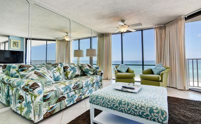 Photo for Amazing Gulf Front Escape - Large Living Room/Kitchen Facing the Beach 4th floor